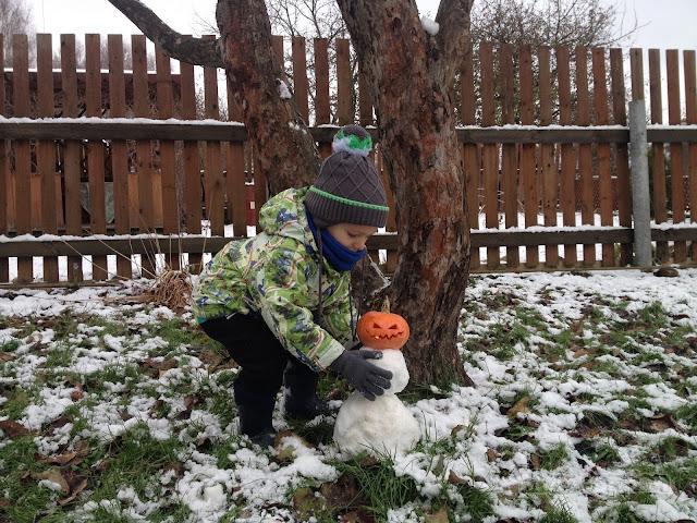 Снеговик на Хэллоуин