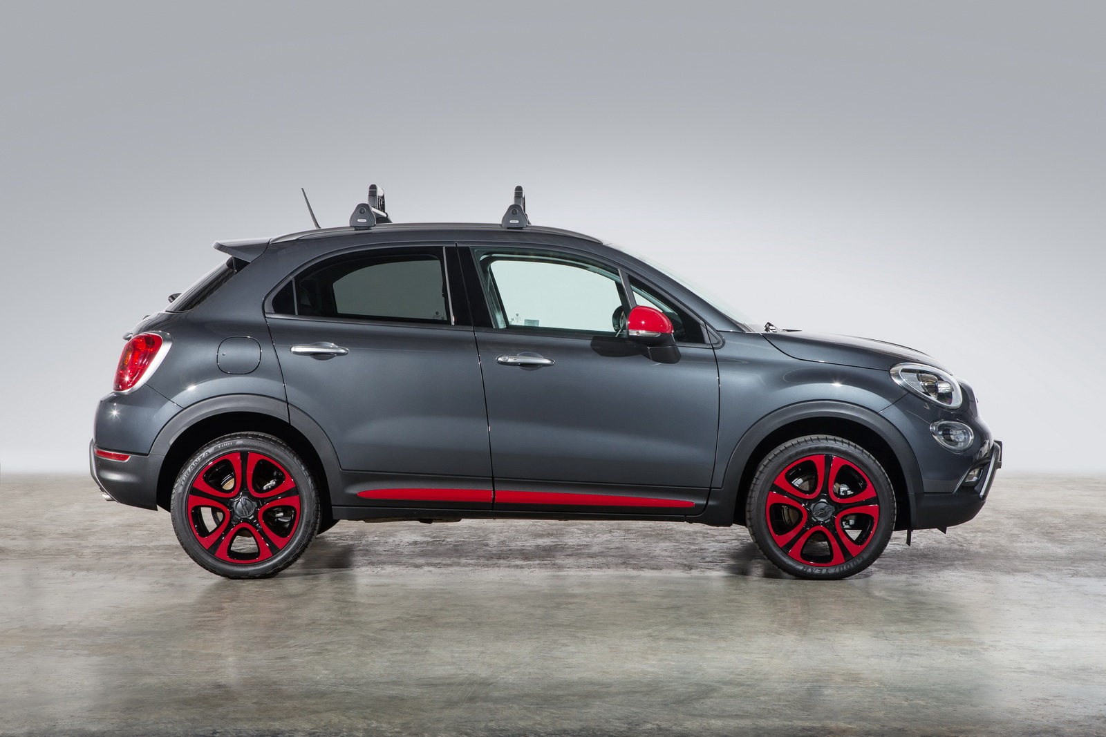 mopar launches range of accessories for fiat 500x in the. Black Bedroom Furniture Sets. Home Design Ideas