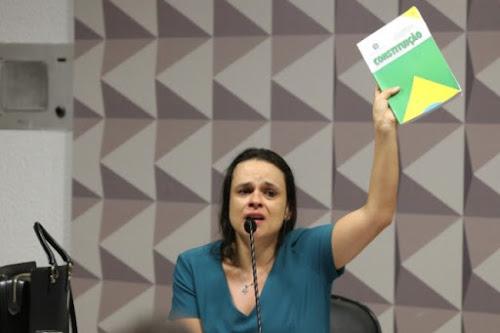 Janaína diz que Putin está 'a um passo' de invadir o Brasil