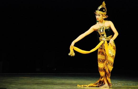 Tari Serimpi Yogyakarta Tari Serimpi Sangupati