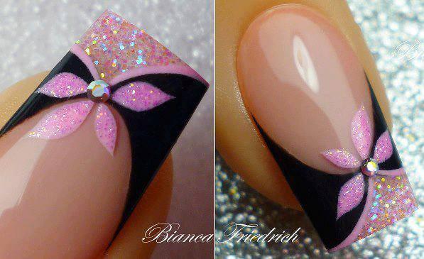lucirlas pero no sabes por donde empezar, aquí tienes varias ilustraciones paso a paso para que os hagáis unos bonitos diseños de uñas con flores.