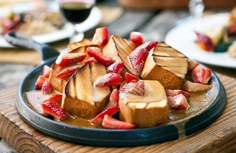 bbq cake with strawberries