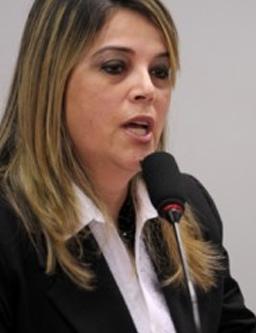 Marisa Lobo