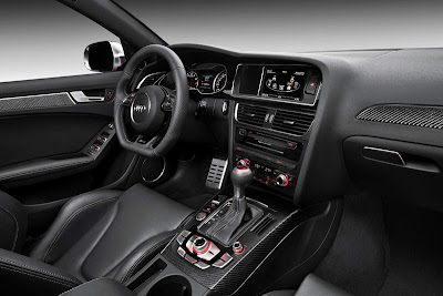 2013 Audi RS4 Avant Dashboard