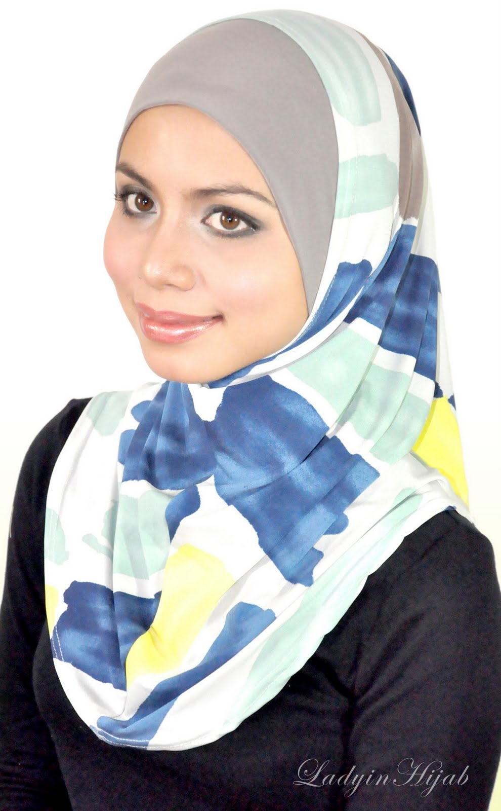 Lady in hijab photos 31 best tween magazines images on Pinterest Tween, For girls and