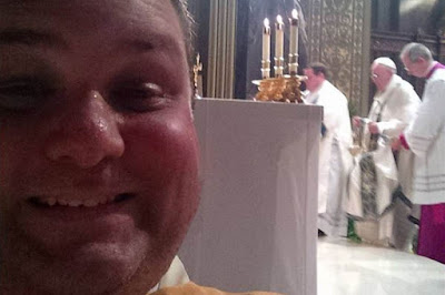 fat idiot in front of Pope