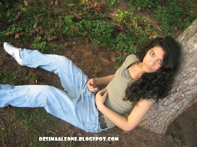 Desi Girls On Date In Woods