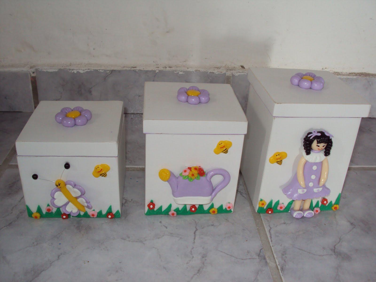 caixas de madeira decoradas com biscuit para quarto de bebê menina #B88813 1600x1200