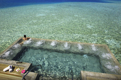 Mirror UK citesVelassaru Maldives among world's most spectacular swimming pool designs