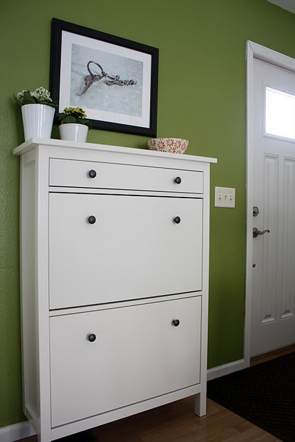 Blog achados de decora o m veis brancos decora o for Mueble recibidor ikea