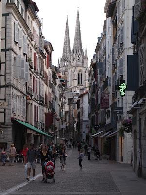 Bayona y su catedral