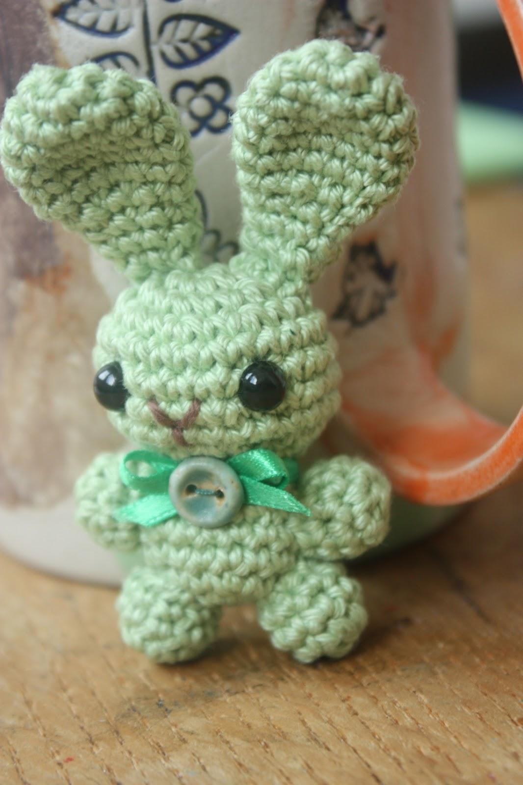Happyamigurumi amigurumi bunny brooch pattern and a free gift bag amigurumi bunny brooch pattern and a free gift bag pattern bankloansurffo Gallery