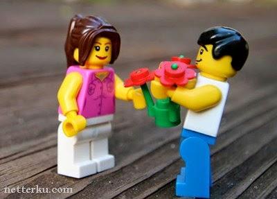 Katakan Cinta Kamu Sambil Memberikan Bunga Mawar - www.NetterKu.com : Menulis di Internet untuk saling berbagi Ilmu Pengetahuan!