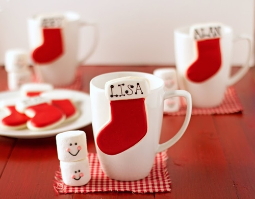 http://thebearfootbaker.com/2013/11/stocking-place-card-cookies-hang-cup/