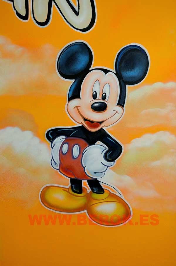 Mural infantil de Mickey Mouse