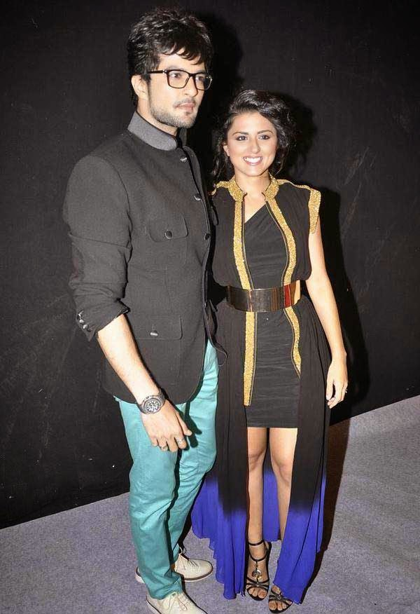 Rakesh Bapat and Ridhi Dogra At The Star Parivaar Awards 2014