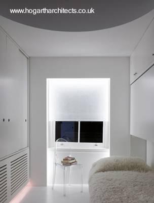 Pequeño cuarto para dormir en la planta alta