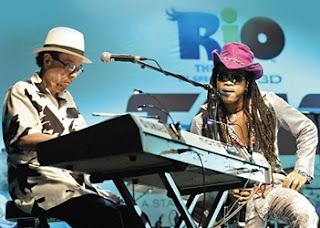 Real in Rio, música de Sergio Mendes e Carlinhos Brown e letra de Siedah Garrett