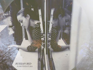 Just a stylish blog loves Russian Red
