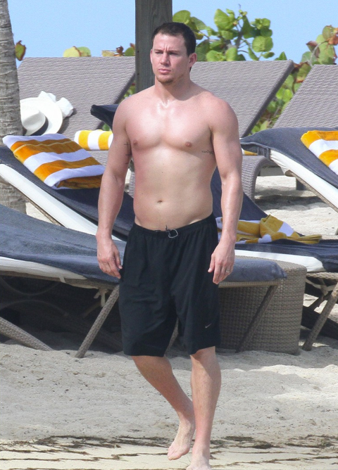 Shirtless sexy Channing Tatum on vacation with wife Jenna Dewan in St