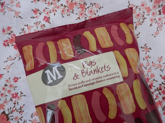 Morrisons Pigs and blankets crisps.  What do vegans eat at Christmas?  Seasonal vegan treats and snack ideas.  secondhandsusie.blogspot.co.uk #veganblogger #ukvegan #vegan