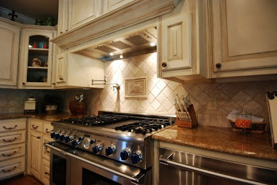 Kitchen and bathroom designs countertops backsplash for Tuscan style kitchen backsplash