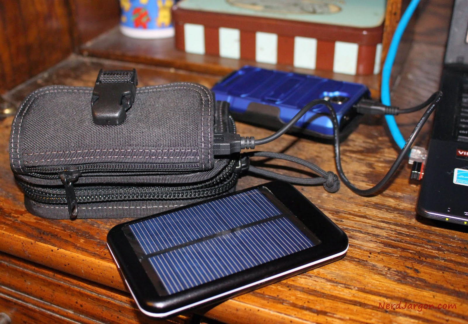 Maxpedition Rat Wallet With Ruinovo USB Battery Pack and Solar Charger