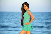 Actress Poonam Kaur latest Hot Photos at Beach-thumbnail-1