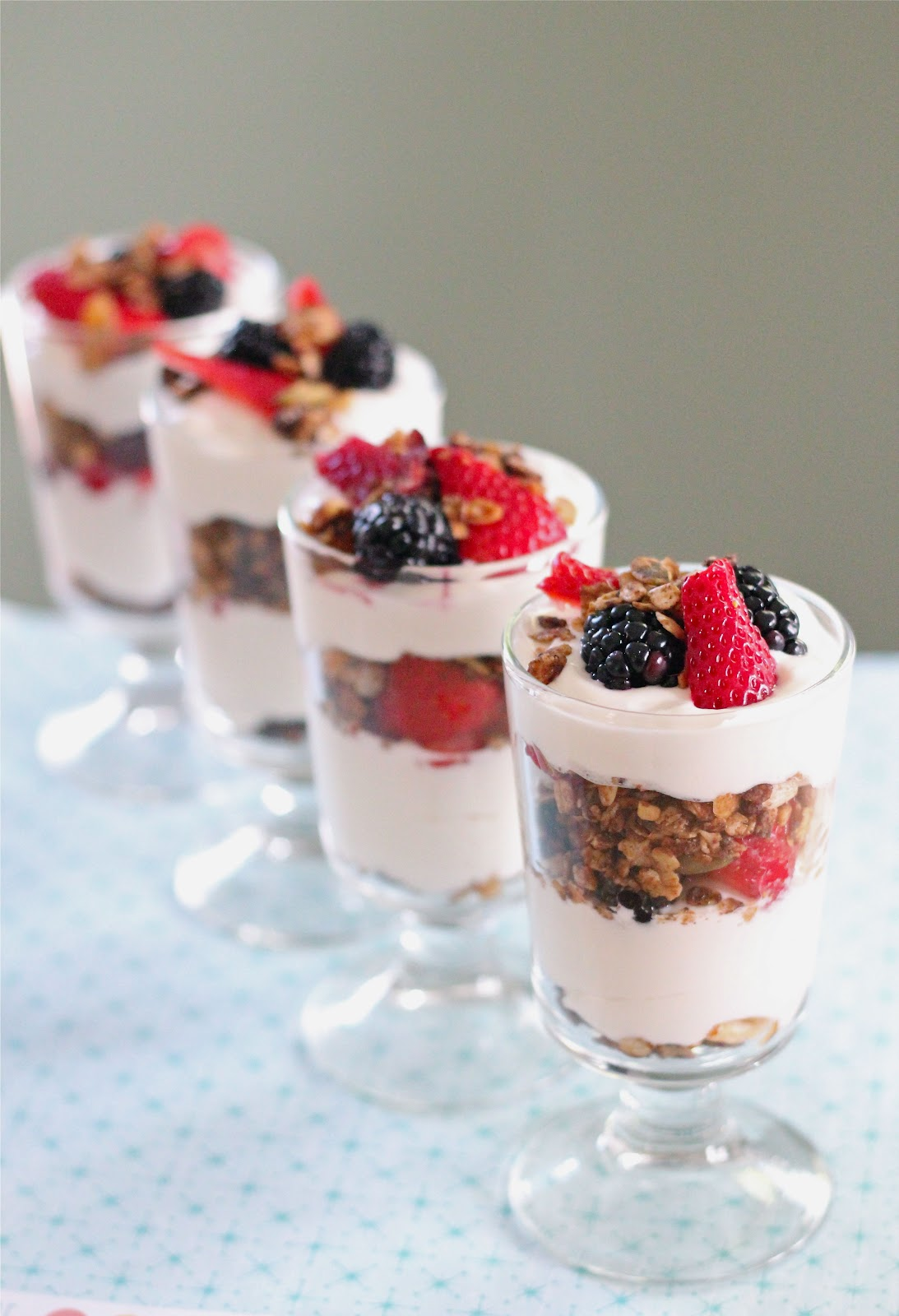 Mixed berry and granola parfait | Eat Good 4 Life