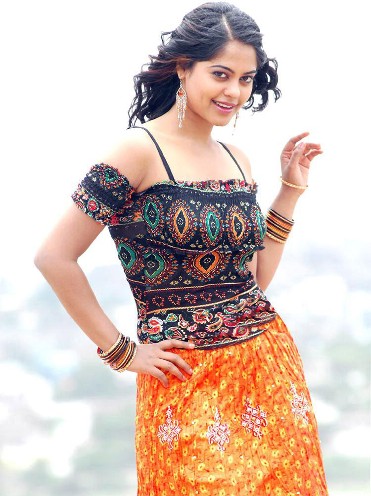 Bindu Madhavi Latest Photo Gallery