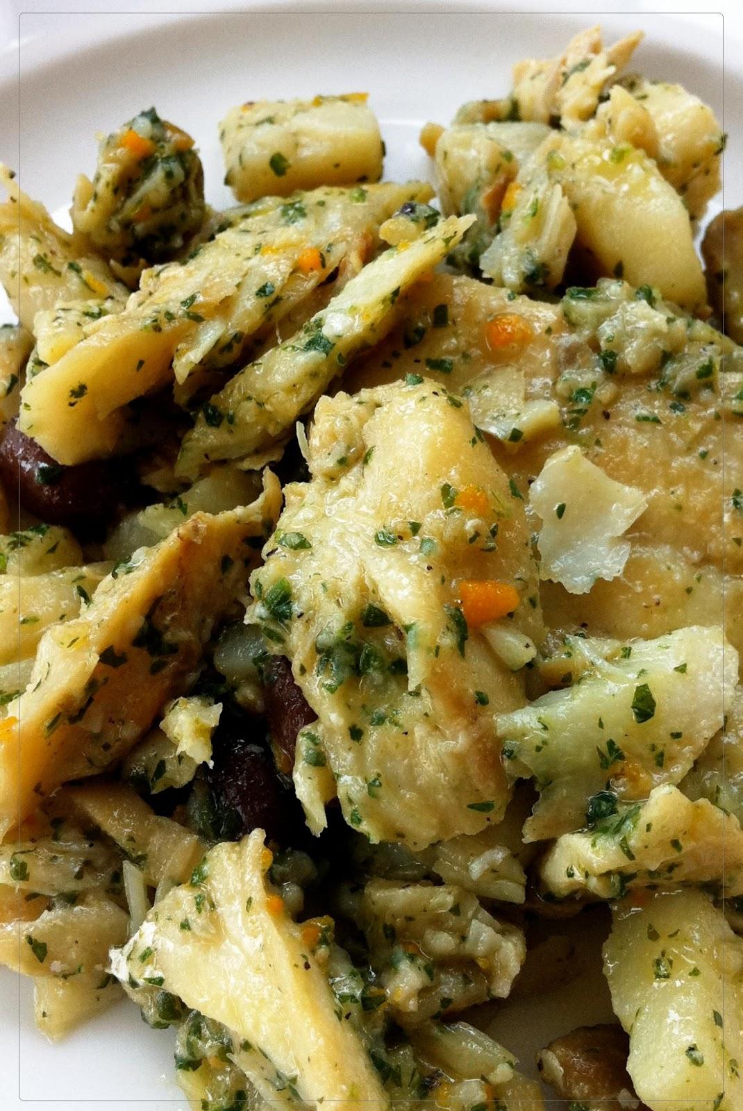 http://1.bp.blogspot.com/-IeyMm-LT99E/Ubipghc1KQI/AAAAAAAAAJM/thQ7YuTf_L8/s1600/baccala+al+verde+con+patate+-+ricette+tradizione+ligure.jpg