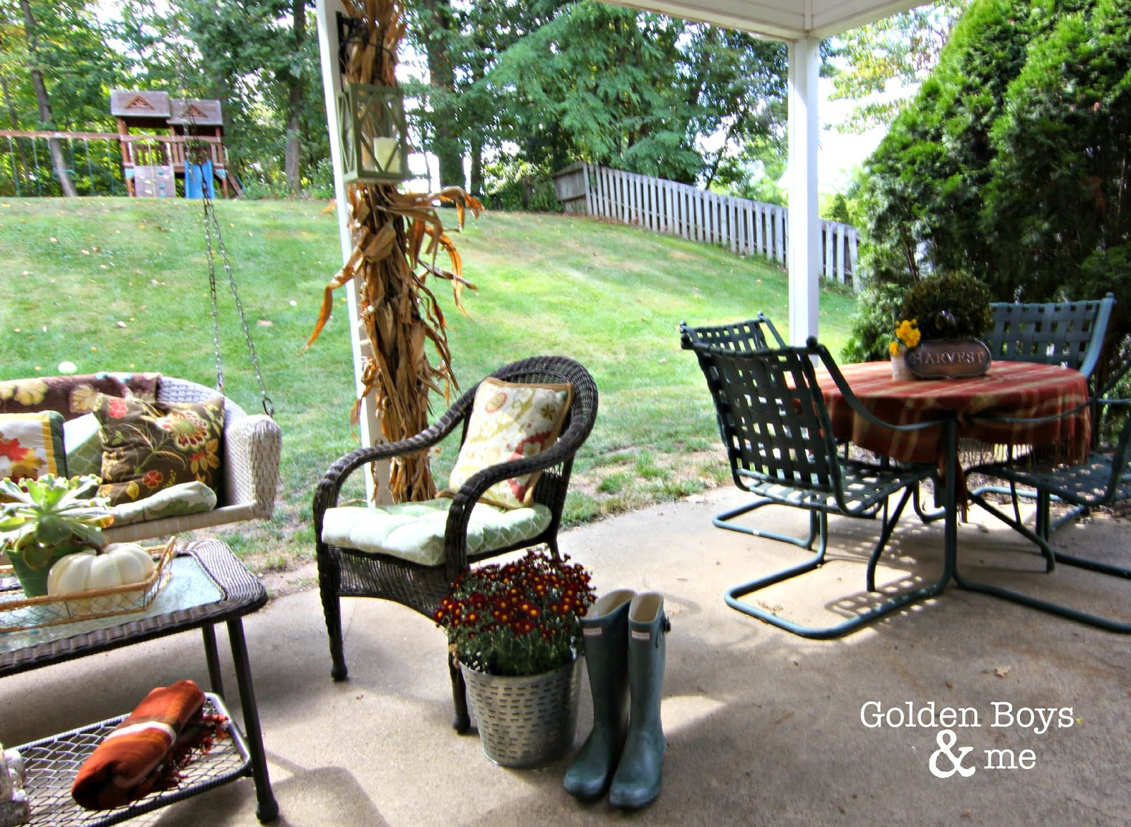 fall decor in covered patio-www.goldenboysandme.com