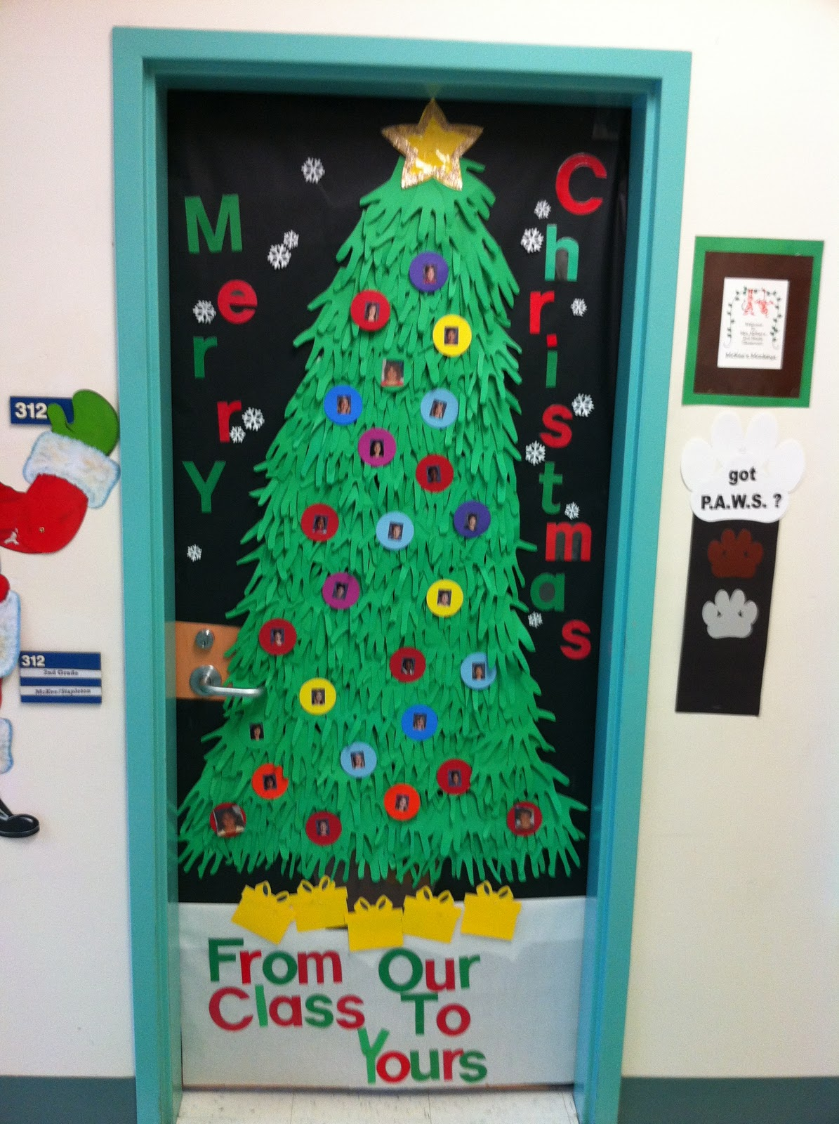 Classroom Xmas Decor ~ Apex elementary art it s starting to look festive at