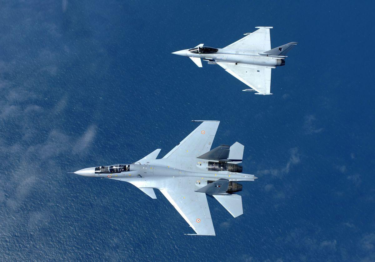 http://1.bp.blogspot.com/-IfXmlqMQxx8/TaCbmFHCdtI/AAAAAAAACEU/dMtTbUglUok/s1600/MKI-eurofighter%2B2.jpg
