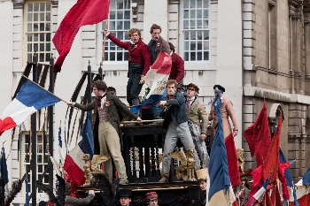 Marius and the revolutionaries Les Misérables (2012) movieloversreviews.blogspot.com