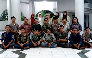 Dept. Pengkajian dan Wacana KMFH 2012