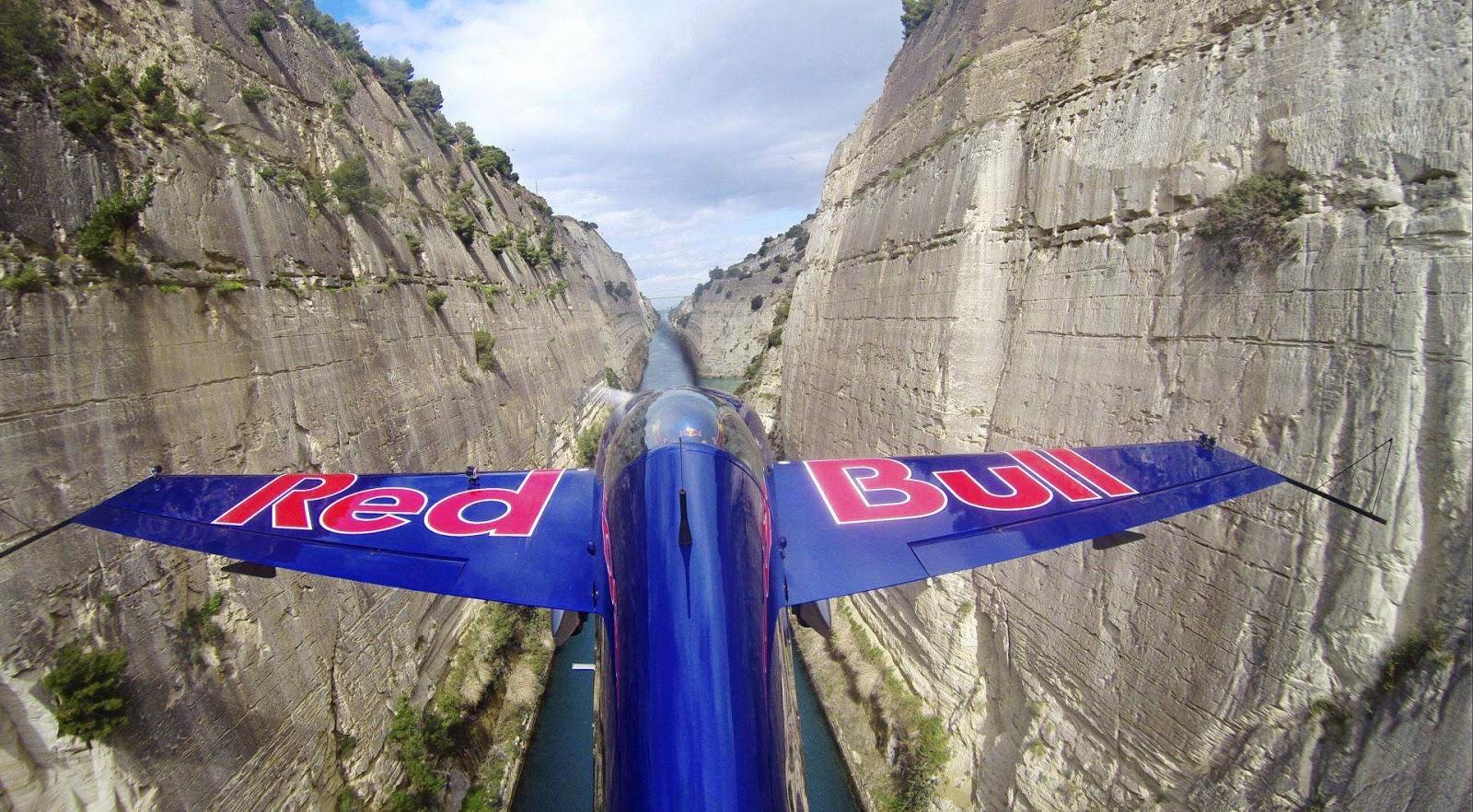 Red Bull Air Race, Besenyei Péter, extrém sport, műrepülés, Korinthoszi-csatorna