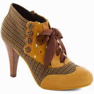Modcloth shoes, booties, modcloth.com, oxfords, houndstooth, mustard, pattern, Poetic License, Mix and Match Heel in Yellow, UK, ribbon tie, wood stacked heel, vintage style, retro style, steampunk, Victorian