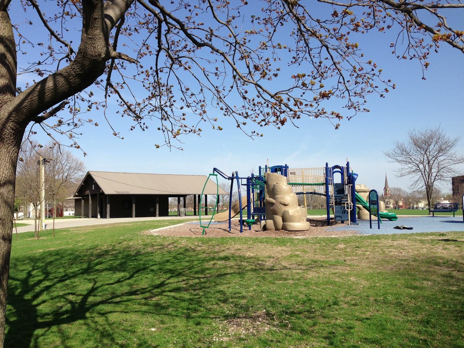 Milwaukee area parks may 2013 - Washington park swimming pool milwaukee ...