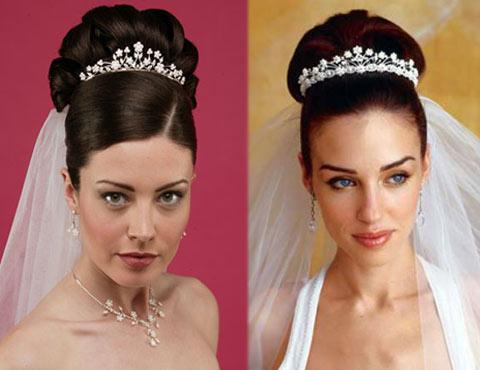 2 Зачіски із діадемою