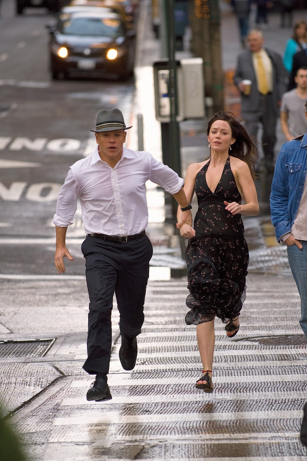 http://1.bp.blogspot.com/-IgaS4btZgSA/T8gnNBwFP4I/AAAAAAAACbo/mBCCI2iwNhQ/s1600/Emily+Blunt+and+Matt+Damon+in+The+Adjustment+Bureau.jpg