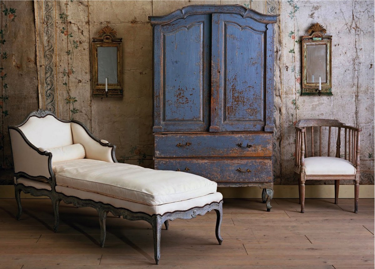 gypsy purple french find lovely antiques. Black Bedroom Furniture Sets. Home Design Ideas