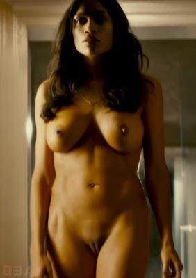 Rosario Dawson desnuda en Alejandro Magno 2004
