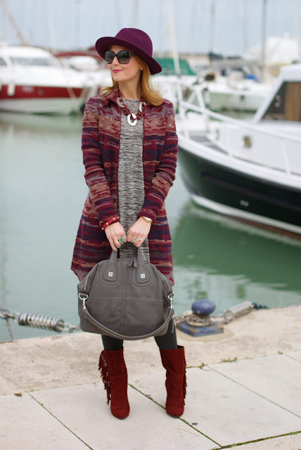 Jacquard coatigan, Ecua-Andino wool hat, bankfashion dress, Givenchy Nightingale bag, Fashion and Cookies, fashion blogger