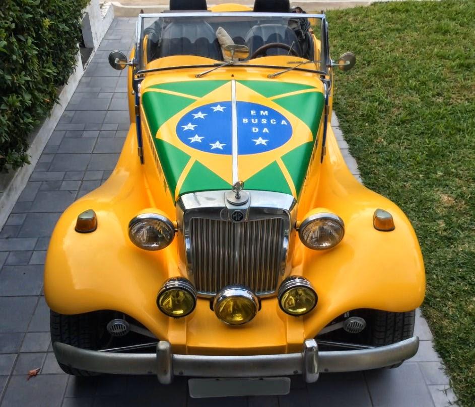 O MP Lafer do Alviano é amarelo e recebeu apliques de vinil com formas que lembram a bandeira do Brasil.