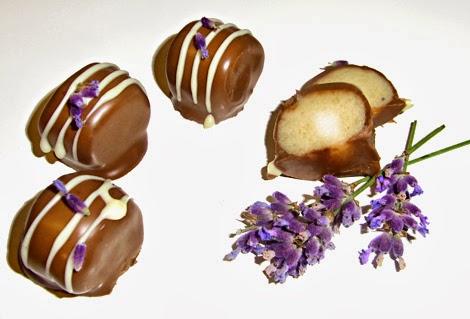 Lavendel-Marzipan-Pralinen