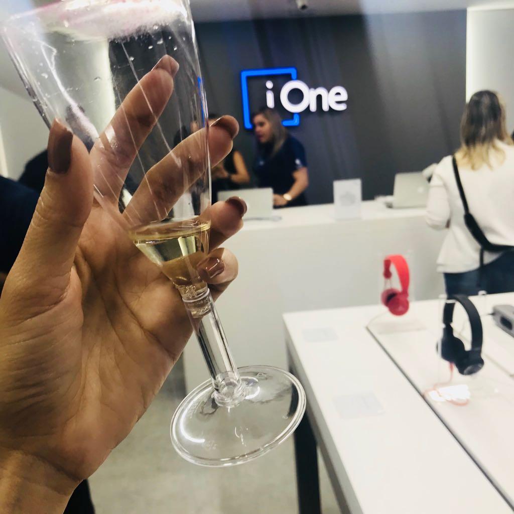 Inauguração iOne - Shopping Conjunto Nacional  014d1b058296c