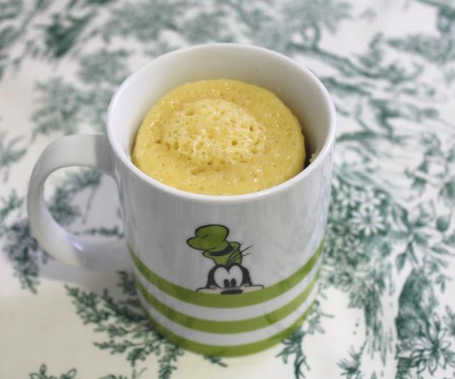 Mug cake de lemon curd y chocolate - El dulce mundo de Nerea