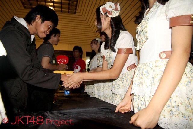 INILAH FOTO MESUM PENGEMAR ARTIS JKT48
