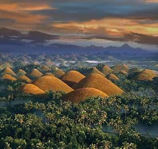 http://1.bp.blogspot.com/-IhvXVTyhtSs/T2dmhcuNS-I/AAAAAAAACvY/D_vjxXHjkPM/s1600/chocolate+hills+bohol-philippines.jpg